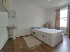 Beautiful large room in the heart of Forest Gate, Sebert Road E7
