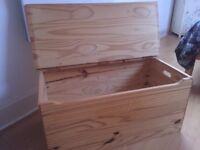 Pine box - hinged lid
