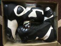 EXCEPTIONAL CONDITION / Motorcycle Boots / Black & White / PROTECTS AGAINST THE WORST