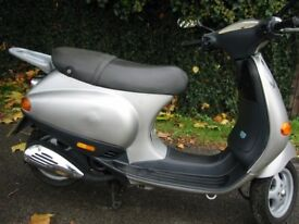 Vespa ET4 ET2 panel ,light ,exhaust , wheel ,tyre,clutch ,engine ,shock ,fork ,brake,top box