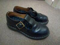Dr Martens girls black school shoes (size 3)