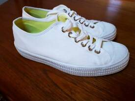 Novesta Star Master trainers size 9 / 43 great condition