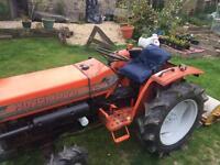 Hinomoto 4x4 compact tractor