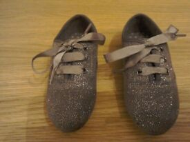 LITTLE GIRLS SPARKLY SHOES SIZE 7 FROM NEXT