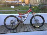 Specialised big hit 2 downhill mountain bike