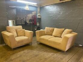 MODERN AND STYLISH FABRIC SOFA SET IN EXCELLENT CONDITION
