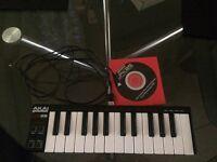 Akai LPK25 MIDI USB keyboard