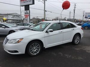 2012 CHRYSLER 200 LIMITED - SUNROOF, LEATHER HEATED SEATS, REMOT