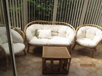 5 piece wicker basket furniture for conservatory.