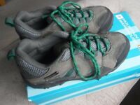 Mountain Warehouse walking shoes size 1 *Nearly new with box* (RRP £39.99)