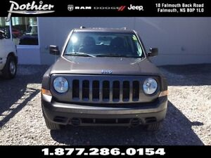 2014 Jeep Patriot Sport 4x4 | CLOTH | MANUAL | UCONNECT |