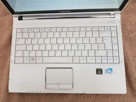 Samsung Q320 -320GB HDD- 3GB RAM Laptop