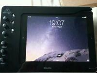 IPad 3rd Gen WiFi 32GB with case
