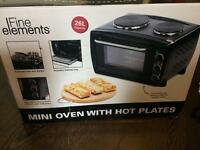 Mini oven with hot plates