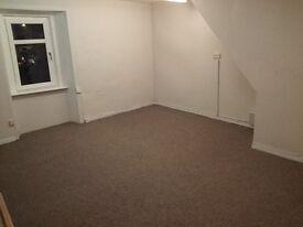 LARGE SPACIOUS OFFICE TO RENT - STEWARTON - £75 PER WEEK INCLUDES BROADBAND & USE OF MEETING ROOM