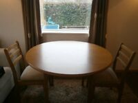 Small kitchen/dining table and 2 matching chairs - perfect codition