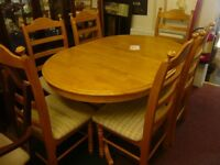 Solid Oak, Extendable table with 6 matching chairs