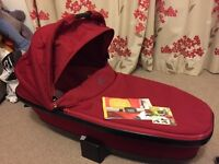 Quinny Carrycot - Red Rumour