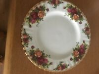 Royal Albert 'Old Country Roses'. Bone China plate