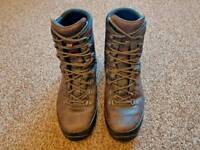 Lowa Combat Boots, brown, size 9