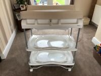 Baby changing unit with bath included