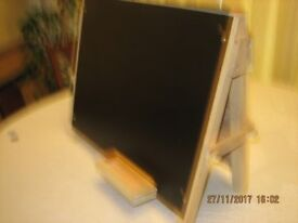 CHILD'S TABLETOP EASEL