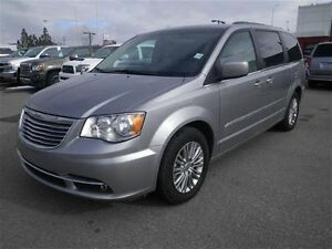 2016 Chrysler Town & Country Touring-L|Camera|Heated Leather|DVD