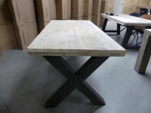 Industriele Tafel Marktplaats.Steigerhout Eettafel Industriele Tafel Met Stalen X A U Poot