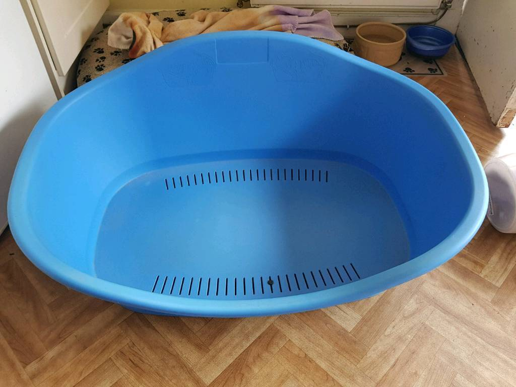 Plastic dog bed