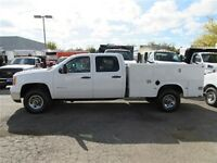 2010 GMC Sierra 3500HD 4x4  crewcab with  service box
