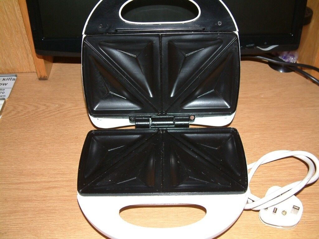 Sandwich Toaster in perfect condition & only used once.