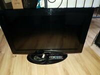 Samsung LE32B450C4 32-inch Widescreen HD Ready LCD Television