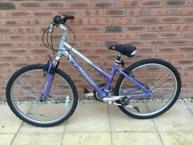 Girls Giant Sedona Bicycle 21 Spd Purple/Silver