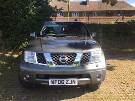 Nissan Pathfinder Aventura 2.5 DCI Automatic-manual 4x4, 7 seater Diesel MOT 06/2017