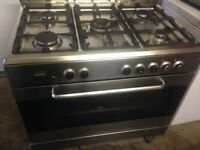 Silver Range gas cooker.....90cm Mint free delivery