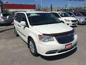 2011 Chrysler Town & Country Touring * LEATHER * CAM * HTD PWR S London Ontario image 3