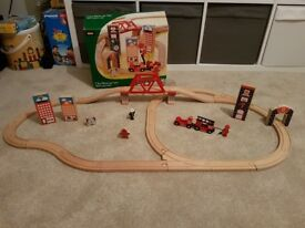 Brio City Rescue Trsin track set