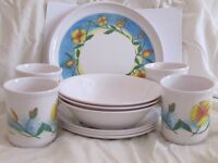 Melamine Set of plates, cups and bowls