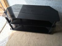 Black Glass 3Tier TV Stand Good Condition Fits Upto 50in