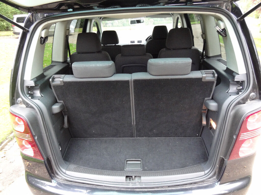 volkswagen touran 7 seater not ford galaxy vauxhall zafira seat alhambra peugeot 5008 mercedes. Black Bedroom Furniture Sets. Home Design Ideas