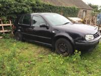 Black Volkswagen mk4 golf, 1.4 petrol, for breaking, still runs