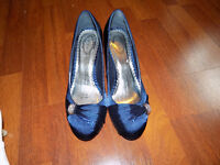 navy shoes size 7. 4 inchs heels ideal for occasions