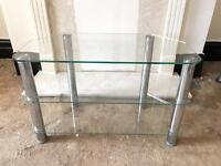 Solid glass TV stand, quick sale at only £15,first to see it buys