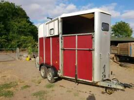 IForWilliams 510 horse trailer