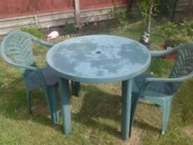 Garden table and 2 chair's