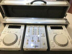 DJ DECKS PIONEER CDJ350 & DJM350 // M-AUDIO BX5 SPEAKERS