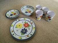 Wittard of Chelsea set of 4 plates, 4 bowels, 4 small plates, 4 cups
