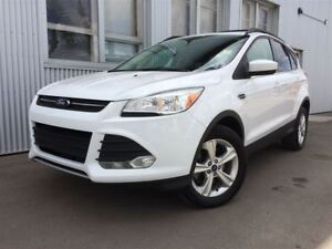2014 Ford Escape SE, 4WD, BACKUP CAM, HEATED SEATS.