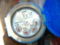 water meter for telling how many galls/lts used