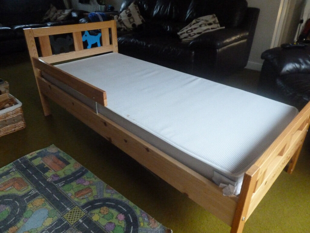 Ikea toddler bed kritter - Ikea Kritter Child S Pine Bed With Slatted Bed Base And Safety Rail Excellent Condition